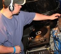DJ Carnage: drijvende kracht achter duister ramwerk